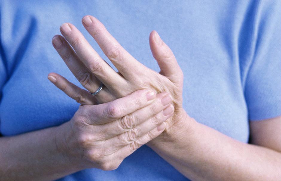ízületi gyulladás a kezelés 14 évében elfordítja a karok fájó ízületeit